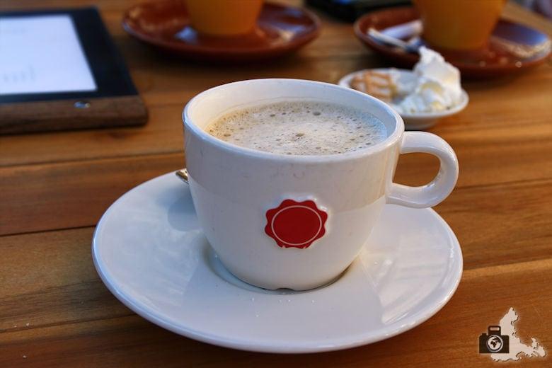 Unterwegs in Utrecht in den Niederlanden - Cappuccino
