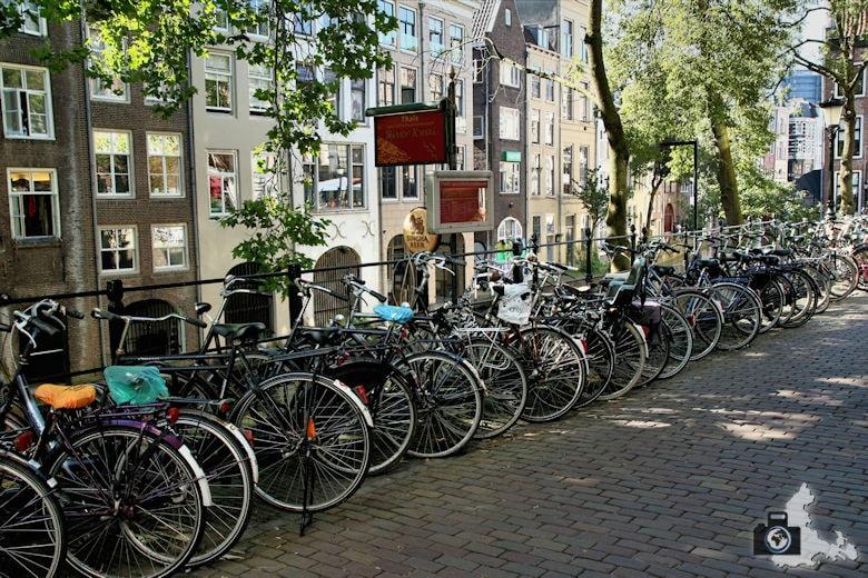 Unterwegs in Utrecht in den Niederlanden - Fahrräder