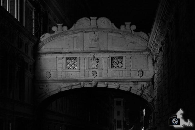 venedig-seufzerbruecke-nachts