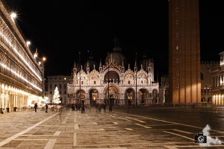 venedig-markusplatz-nacht