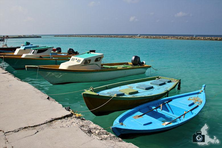 Boote am Hafen, Ukulhas, Malediven