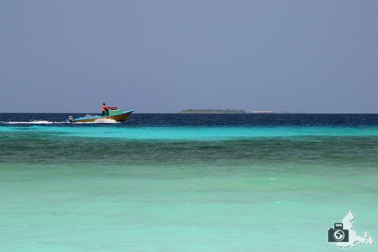 Strand und türkises Meer, Ukulhas, Malediven