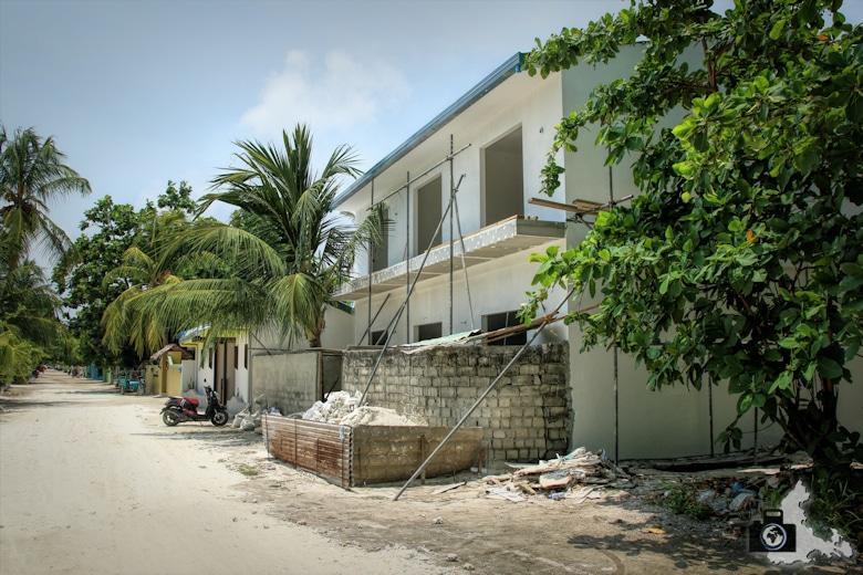 Baustelle für neue Ferien-Apartements auf Ukulhas, Malediven