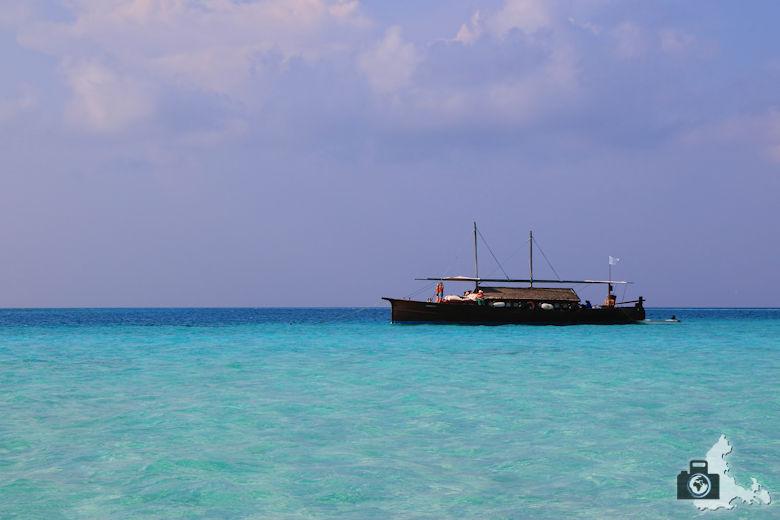 Malediven Sandbank Picknick Schiff Meer