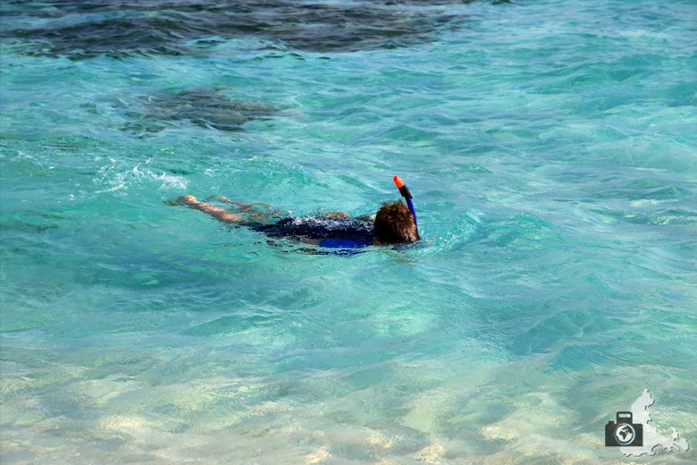 Lucas beim Schnorcheln nahe der Sandbank