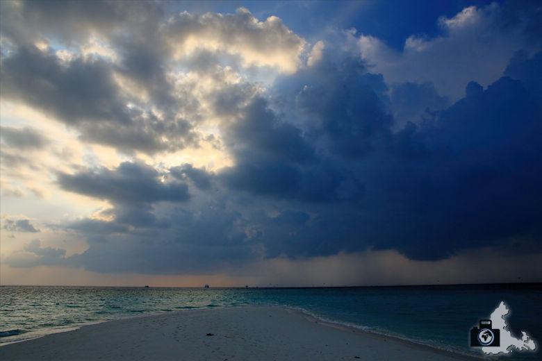 Aufziehendes Unwetter auf den Malediven