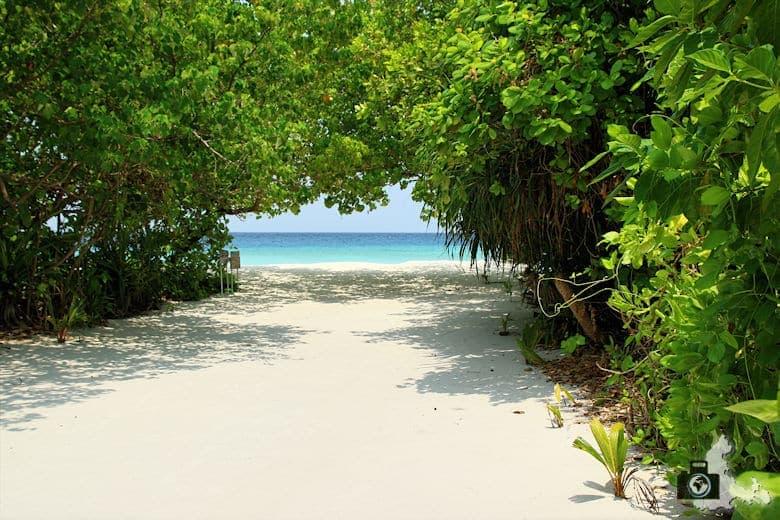 Zugang zum Meer auf Ukulhas, Malediven