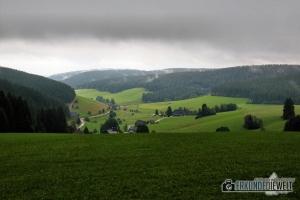 Bewölkte Schwarzwald Landschaft, Deutschland