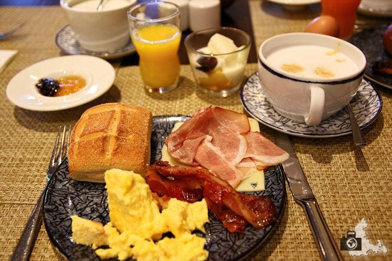 Frühstück im Lindner Park-Hotel Hagenbeck Hamburg
