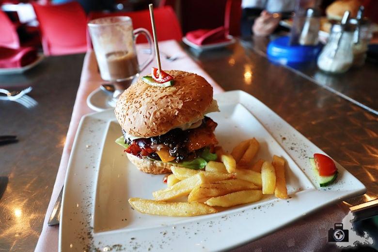 Burger, Marilyn's 60's Diner, Storms River, Tsitsikamma
