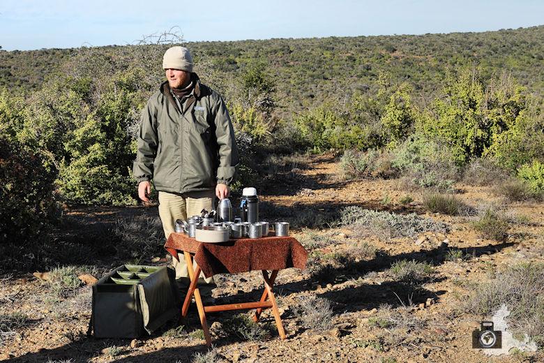 Kaffeepause im afrikanischen Busch während der Safari