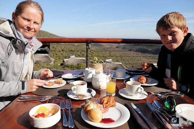 Frühstück in der Kuzuko Lodge