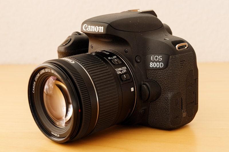 Canon EOS 800D - Seitenansicht
