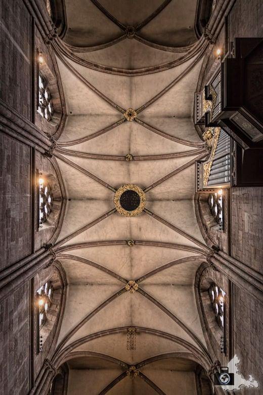 Freiburger Münster - Gewölbte Decke