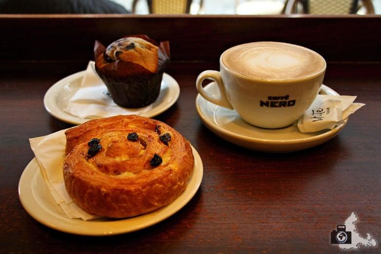 Frühstück im Café Nero