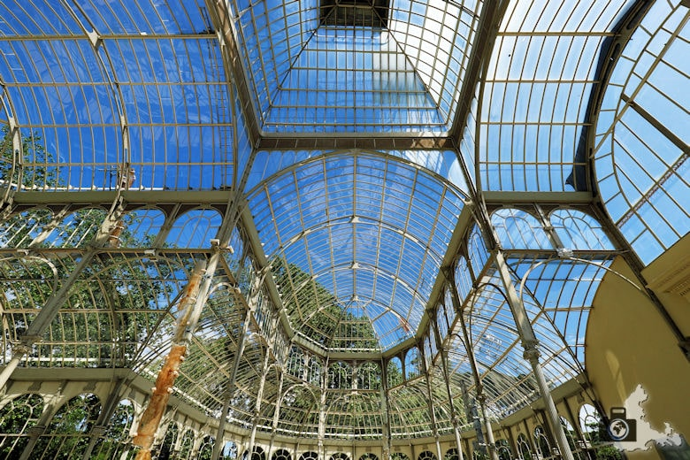 Glaspalast im Retiro Park in Madrid