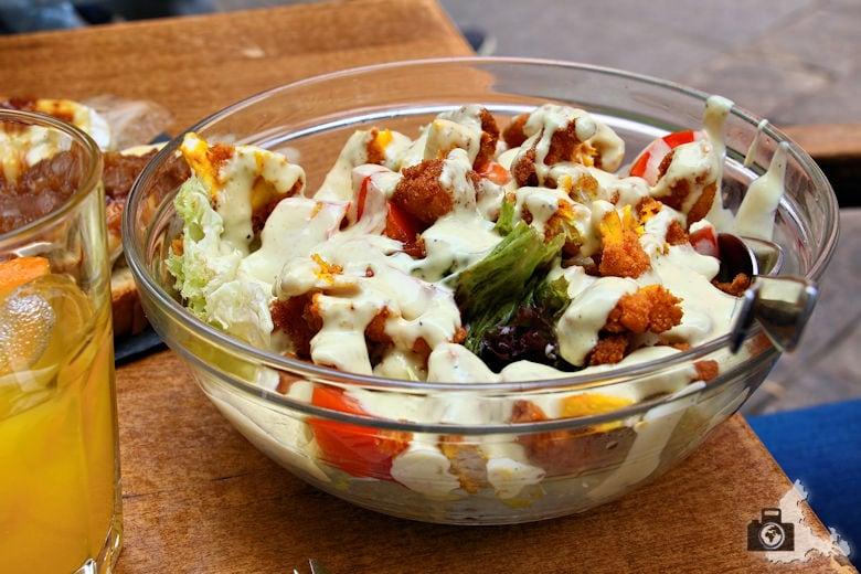 Los Austrias - Hähnchenbrust Salat