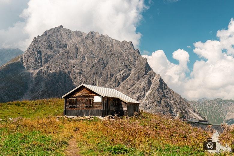 Kreative Bildbearbeitung Folge 1 - Fotobearbeitung Österreich Berghütte - fertiges Bild