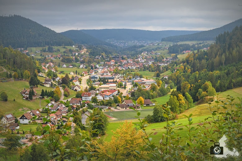 Annis Schwarzwald Geheimnis Baiersbronn - Auf dem Spuren von Avalee - Aussicht Mitteltal