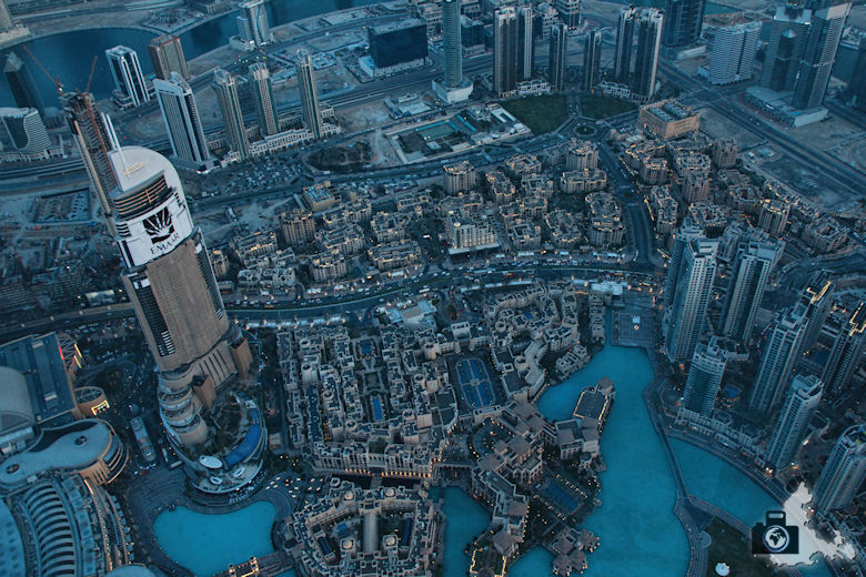 Fotografieren in Dubai - Blick vom Burj Khalifa in die Tiefe
