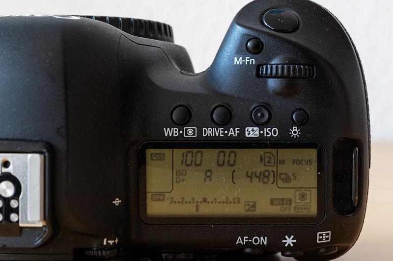Canon EOS 5D Mark IV - Schulterdisplay