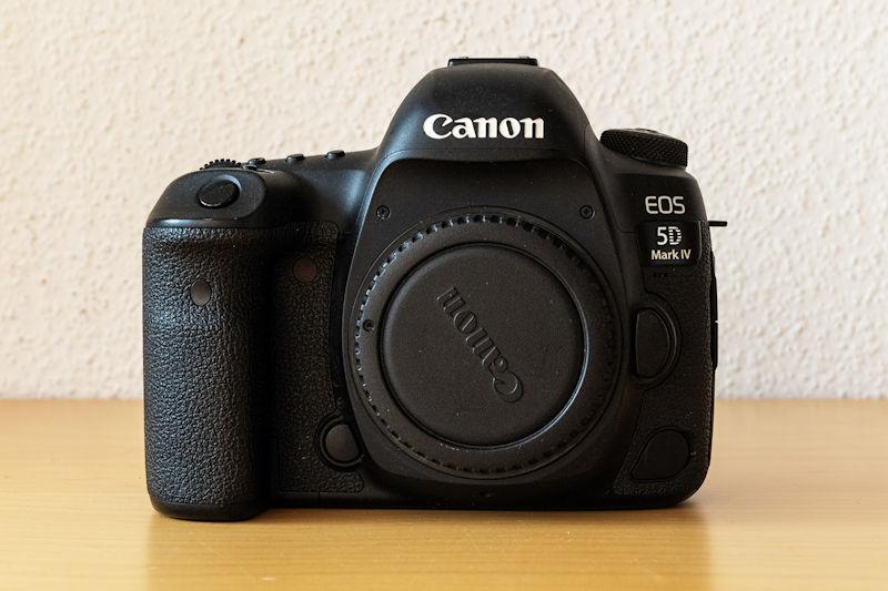 Canon EOS 5D Mark IV - Vorderansicht
