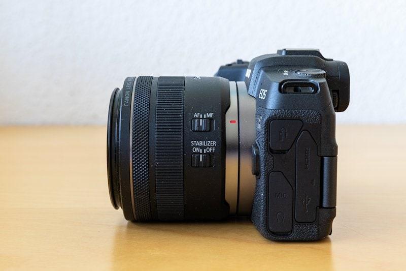 Canon EOS RP - Seitenansicht
