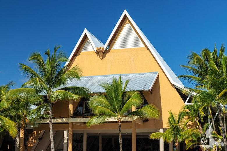 Fotowalk #9 - Am Strand von Mauritius - Blau & Gelb