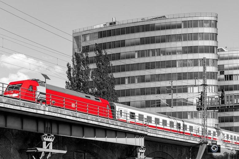 Brückenfahrt Berlin - Zug