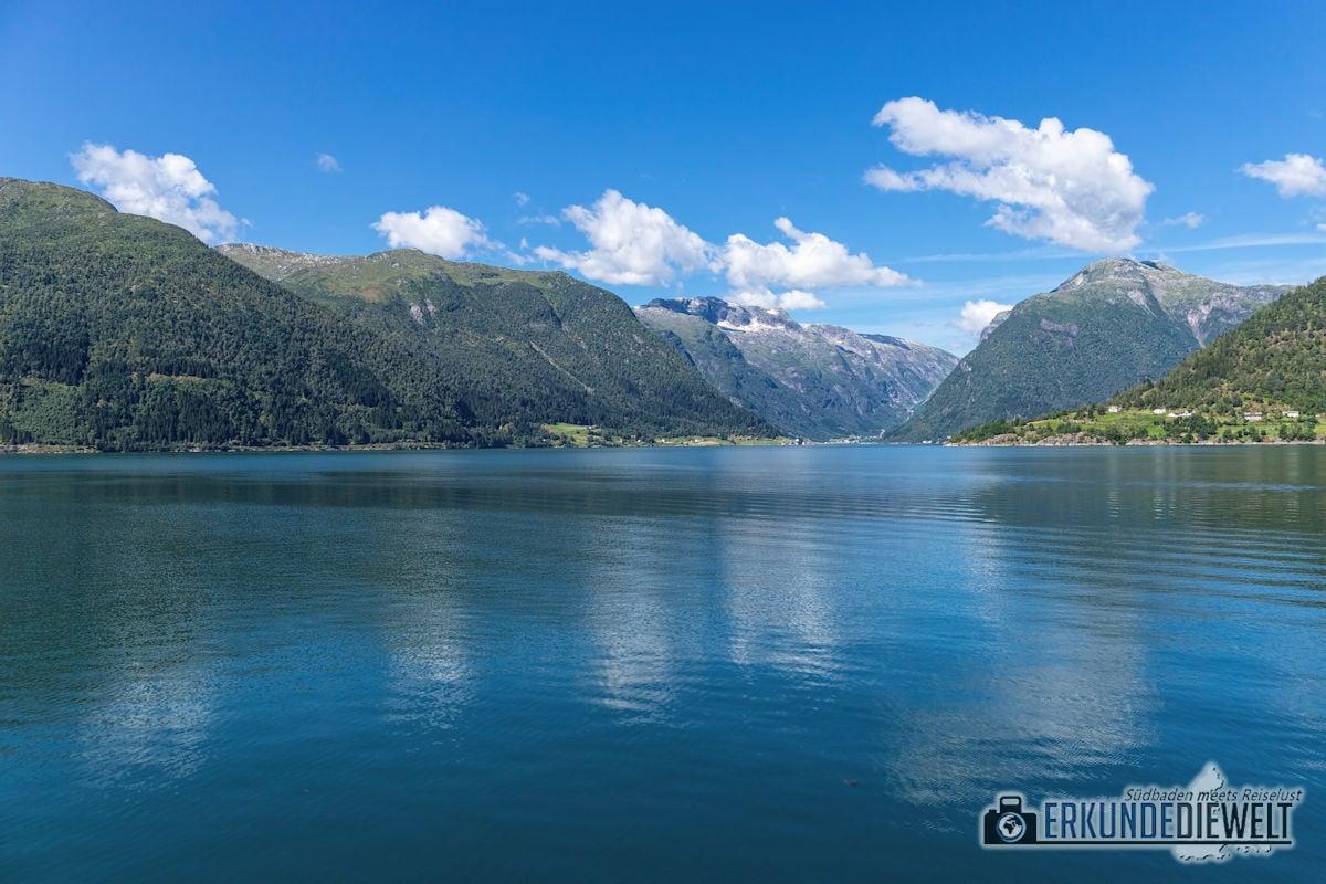 Fjordfahrt nach Fjaerland, Norwegen