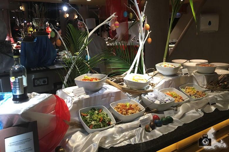 Abendliches Büfett im Victoria Beachcomber Hotel an Ostern