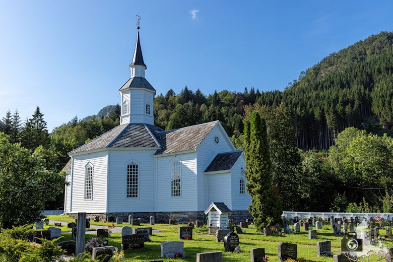 Kirche in Lavik am Sognefjord