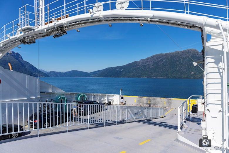 Fährfahrt über den Fjord
