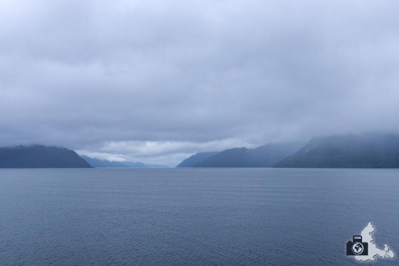 Norwegen im Regen - Fjord