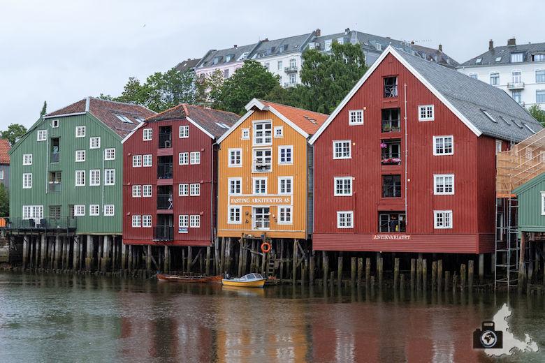 Trondheim - bunte Häuser am Nidelva