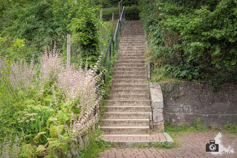 Wanderung Steinzeitpfad Ehrenkirchen - Treppe