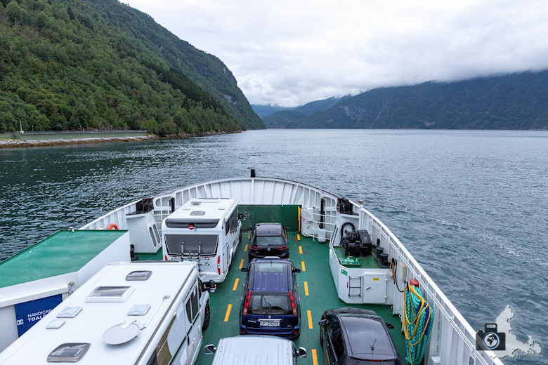 Fähre über den Fjord