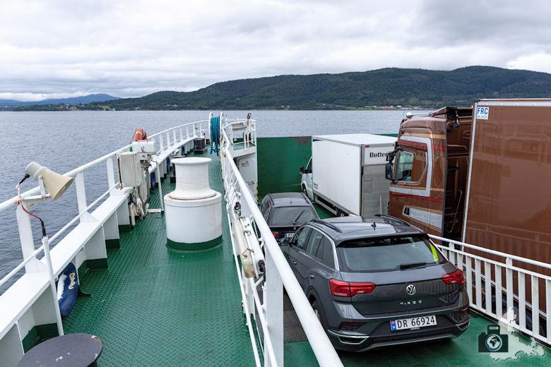 Autofähre über den Fjord