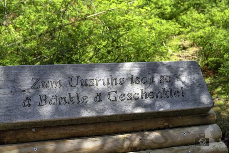 Schwarzwälder Genießerpfad - Waldpfad Groppertal - Bank mit Spruch